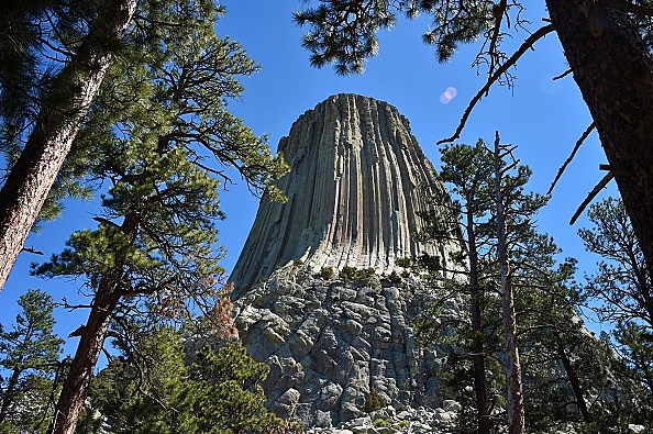 US-DEVILS-TOWER
